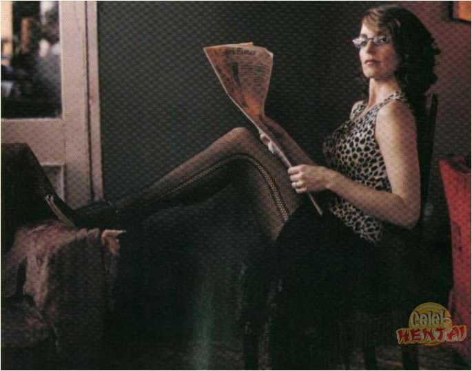 Tina Feys Legs! by FamousLegz - YouTube