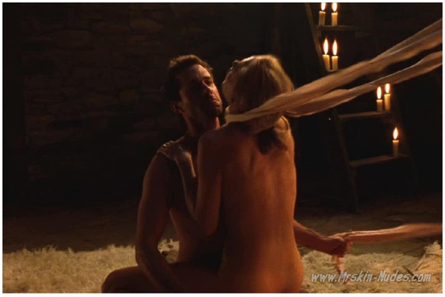 hizer-menzis-eroticheskie-foto