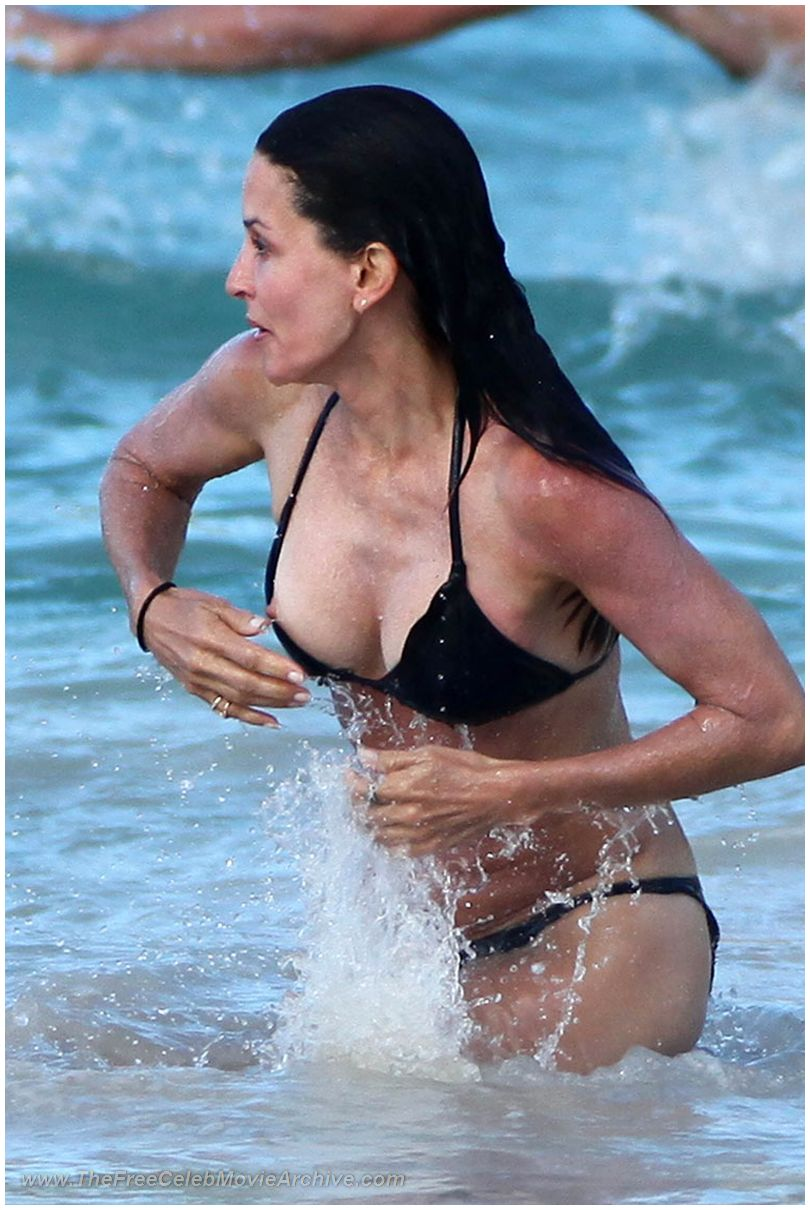 Courteney Cox Nude Pictures