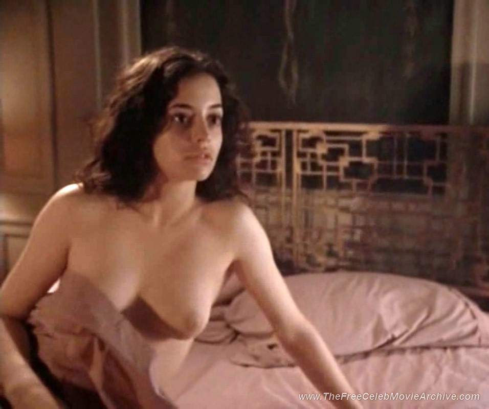 Actress Emmanuelle Vaugier Paparazzi Topless Shots And Nude Movie