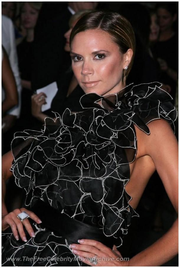 http://www.celebrityfreemoviearchive.com/stars2/victoria-beckham-boob/victoria-beckham_18.jpg